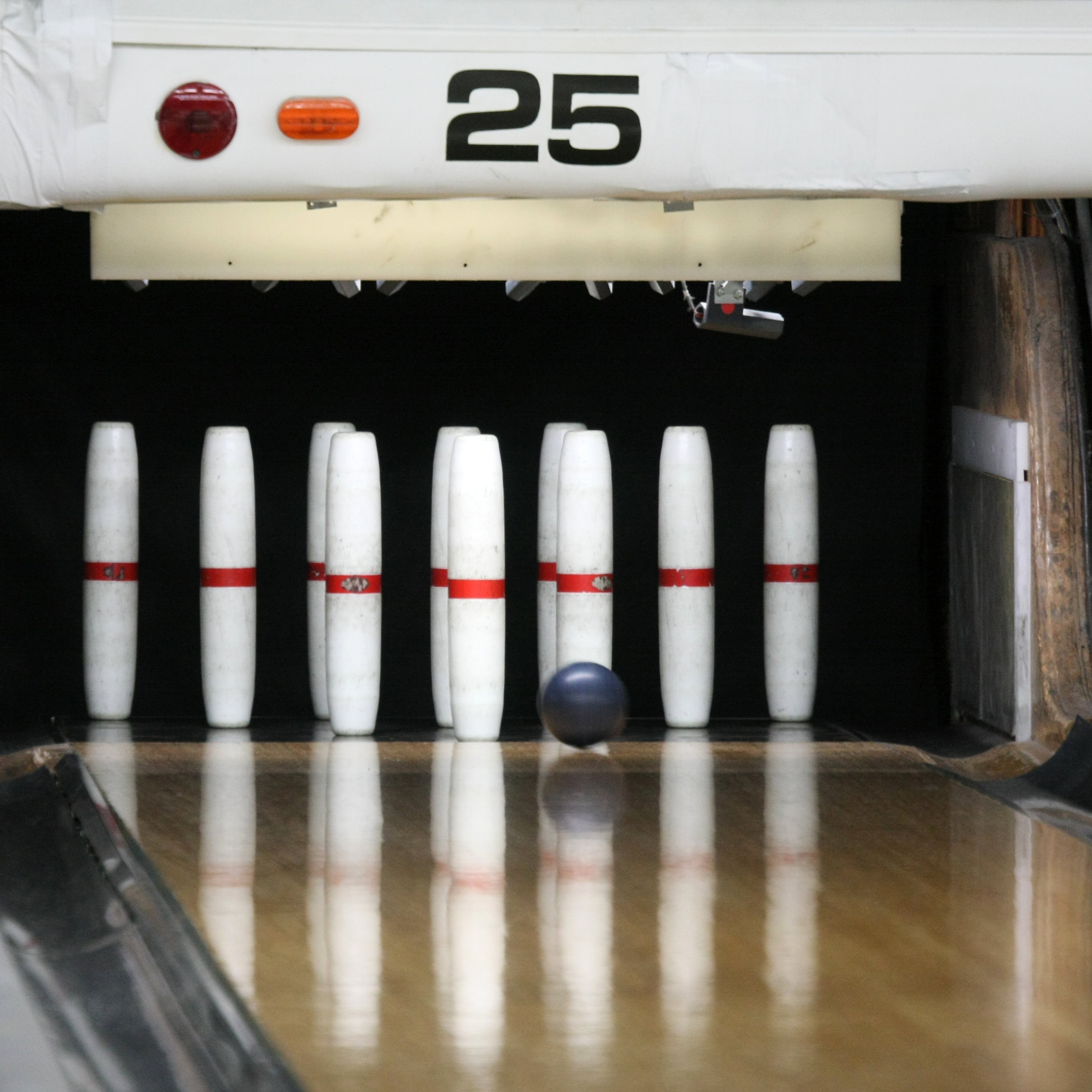 Candlepin-bowling-usa-lane25-rs