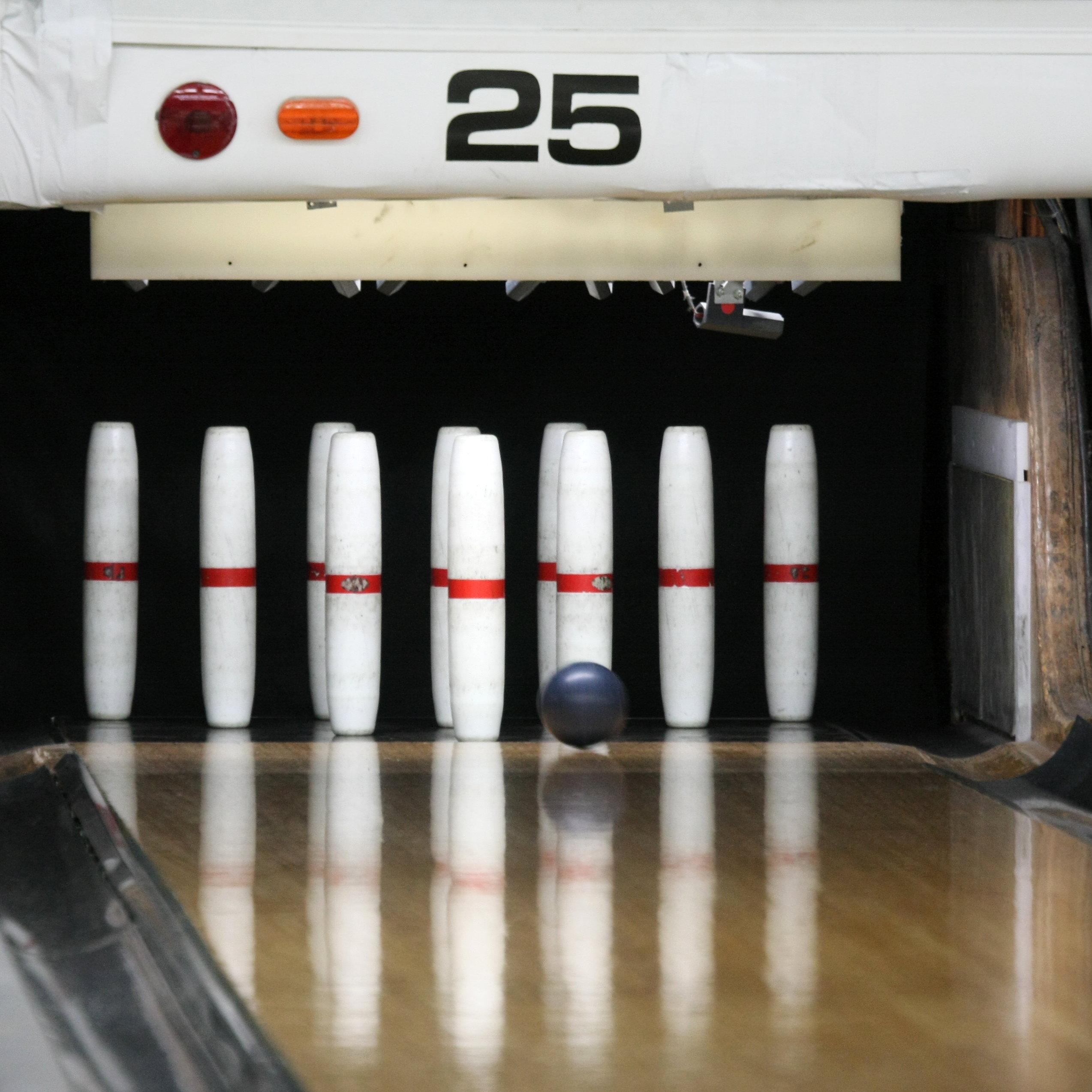 Candlepin-bowling-usa-lane25-rs