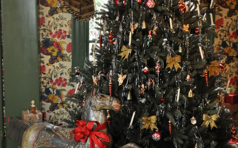 A fun holiday lecture, wassail and holiday shopping at The Gables