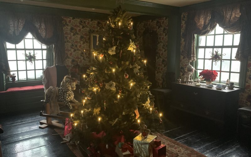 Christmas Tours at The Gables: Emphasizing Changing Customs Over 350 Years